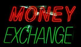Scambio di soldi Fotografia Stock Libera da Diritti
