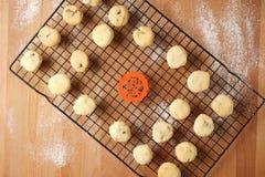 Scambio promettente di regalo facendo uso dei biscotti Immagine Stock Libera da Diritti