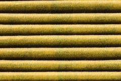 Scanalature orizzontali del primo piano dell'filtri dell'aria usati Immagine Stock