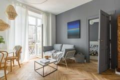 Scandi stylu żywy pokój fotografia stock