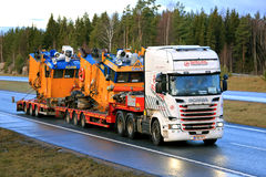 Scania R580 Heavy Transport of Dredging Equipment in Winter Royalty Free Stock Images