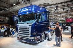 Scania R450 Usprawnia ciężarówkę Obrazy Royalty Free