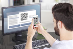 Scanning QR Code Royalty Free Stock Photos