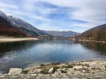Scanno jezioro, Abbruzzo, Włochy Luty 2018 obrazy stock