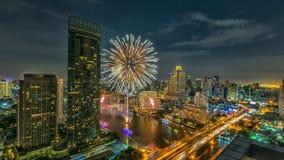 Scape города на реке Chaopraya, Бангкоке, Таиланде Стоковое Изображение RF