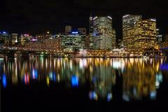 Scape chéri de nuit de port de cbd de Sydney Images stock