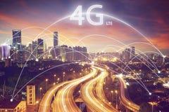 Scape da cidade e conceito da conexão com fonte de 4g LTE Fotografia de Stock