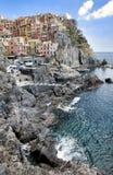 Scape de la ciudad de Manarola en Cinque Terre Foto de archivo libre de regalías