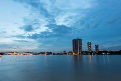 Scape de ville de Bangkok, pris au crépuscule Images libres de droits