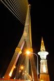 Scape för natt för Thailand Rama 8 repbro Royaltyfria Bilder