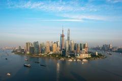Scape för Shanghai horisontstad, Shanghai luajiazuifinans och busi arkivfoto