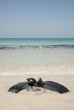 Scaphandre autonome sur la plage Photo stock