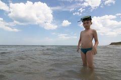 scaphandre de masque de garçon photographie stock