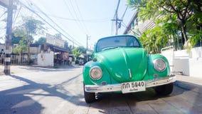 Scarabeo verde parcheggiato di Volkswagon Immagine Stock Libera da Diritti
