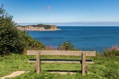 Стенд с взглядом над Scarborough, северным Йоркширом, Великобританией стоковое фото rf