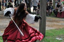 Scarborough Rennaissance Faire: In evenwicht gehouden om te slaan Royalty-vrije Stock Afbeelding