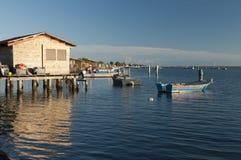 SCARDOVARI, WŁOCHY, 2016-08-06: Połów budy przy Scardovari laguną, Italy Zdjęcie Royalty Free