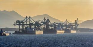 Scaricatore continuo speciale del carbone della nave fotografia stock libera da diritti