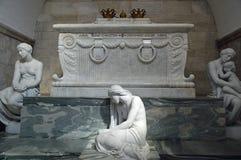 Scarophagus e statua del dolore, dell'amore e della memoria alla cattedrale di Roskilde Immagini Stock
