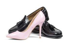 Scarpa del tallone delle scarpe dell'uomo e delle donne rosa Immagine Stock Libera da Diritti