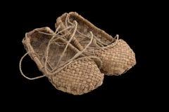 Scarpa della rafia (sandali) del paesano povero russo Fotografie Stock Libere da Diritti