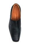 Scarpa lucida nera dell'uomo isolata Fotografie Stock