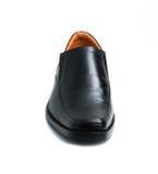 Scarpa lucida nera dell'uomo isolata Immagini Stock Libere da Diritti