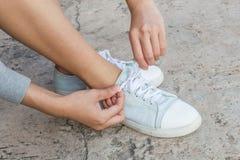 Scarpe d'uso della donna Immagini Stock