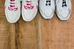 Scarpe da corsa con lo spazio della copia Fotografie Stock Libere da Diritti