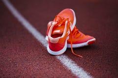 Scarpe da corsa per la donna Immagini Stock Libere da Diritti