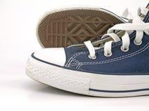 Scarpe da tennis blu Fotografie Stock Libere da Diritti