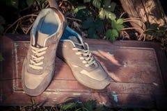 Scarpe da tennis di Brown, le scarpe degli uomini Fotografia Stock