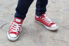 Scarpe da tennis rosse Fotografia Stock
