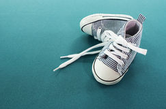 Scarpe di bambino Immagini Stock