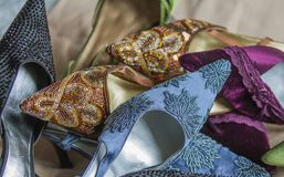 Scarpe di dito del piede con precisione decorate del partito della donna del classico Immagine Stock Libera da Diritti