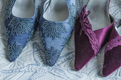 Scarpe di dito del piede con precisione decorate del partito della donna del classico Fotografia Stock Libera da Diritti