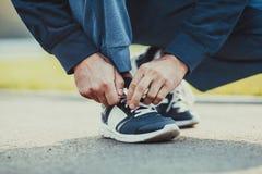 Scarpe di sintonia di sport prima della formazione Fotografia Stock Libera da Diritti