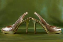 Scarpe dorate Immagine Stock Libera da Diritti