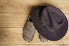 Scarpe e cappello della fedora Fotografie Stock Libere da Diritti