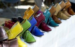 Scarpe fatte a mano colorate Immagine Stock Libera da Diritti