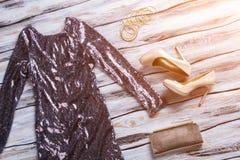 Scarpe frizzanti del tallone e del vestito Fotografia Stock Libera da Diritti