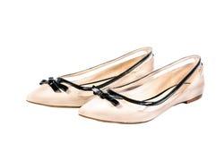 Scarpe, paia delle scarpe femminili beige isolate Immagine Stock Libera da Diritti