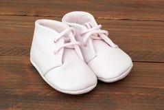 Scarpe sveglie di rosa di bambino Fotografia Stock Libera da Diritti