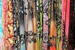 Scarves coloridos em Christian Quarter no Jerusalém Imagens de Stock