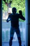 Scassinatore che porta una passamontagna Fotografie Stock Libere da Diritti