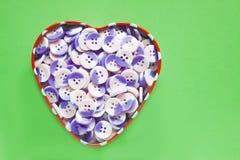 Scatola del cuore di bottoni Fotografia Stock Libera da Diritti