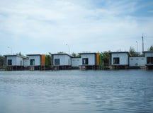 Scatola della Camera sul lago fotografia stock libera da diritti