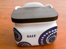 Scatola della ceramica di stoccaggio del sale Immagini Stock Libere da Diritti