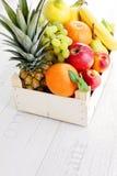 Scatola della frutta fresca Fotografie Stock