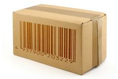 Scatola di cartone con il codice a barre falso fotografia stock libera da diritti